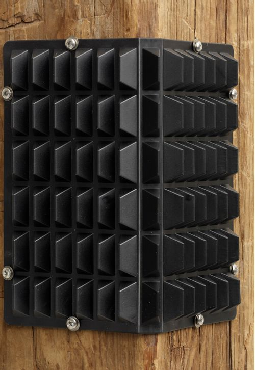 Equi-Essentials Stall Corner Scratcher 3 Pack - Black